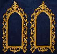 A Pair of antique frames, fine gilded wood frames, 19th century.